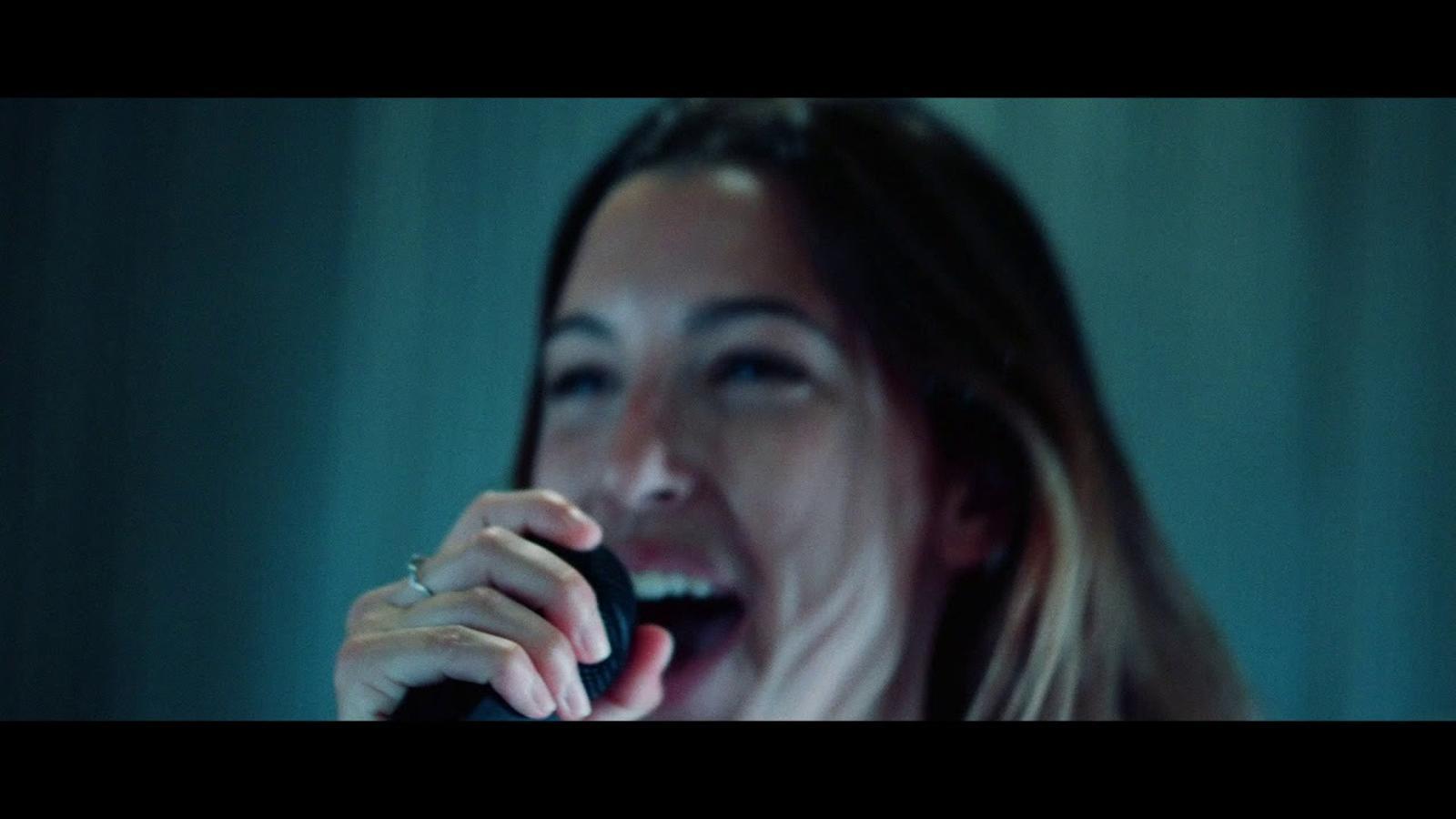 JoKB amb Blu May i Mia Farrés, 'Si hi fes'