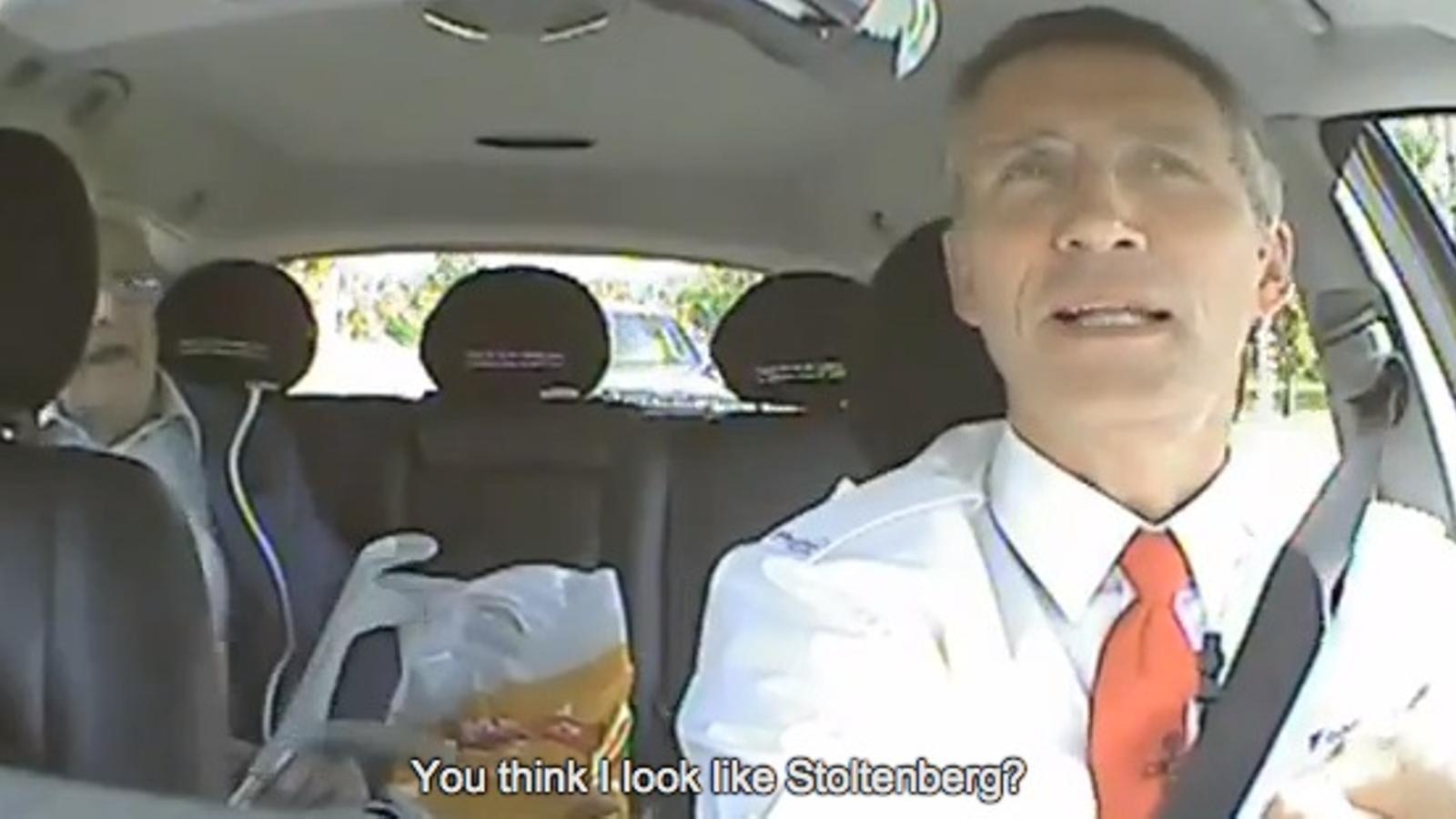 El primer ministre noruec fa de taxista per saber què pensa realment la gent