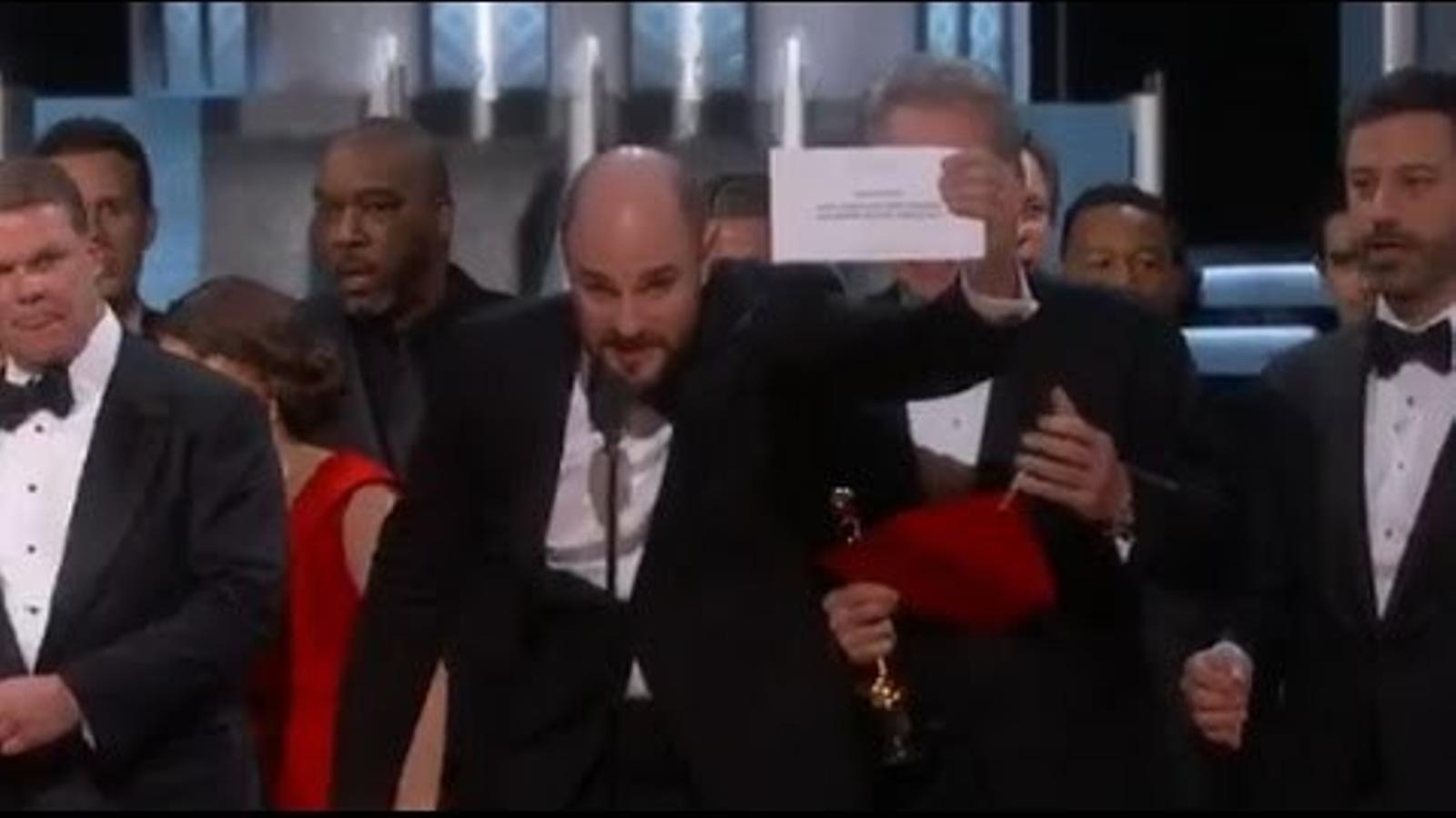 'Moonlight' guanya per sorpresa l'Oscar a millor pel·lícula després de ser atorgat per error a 'La La Land'