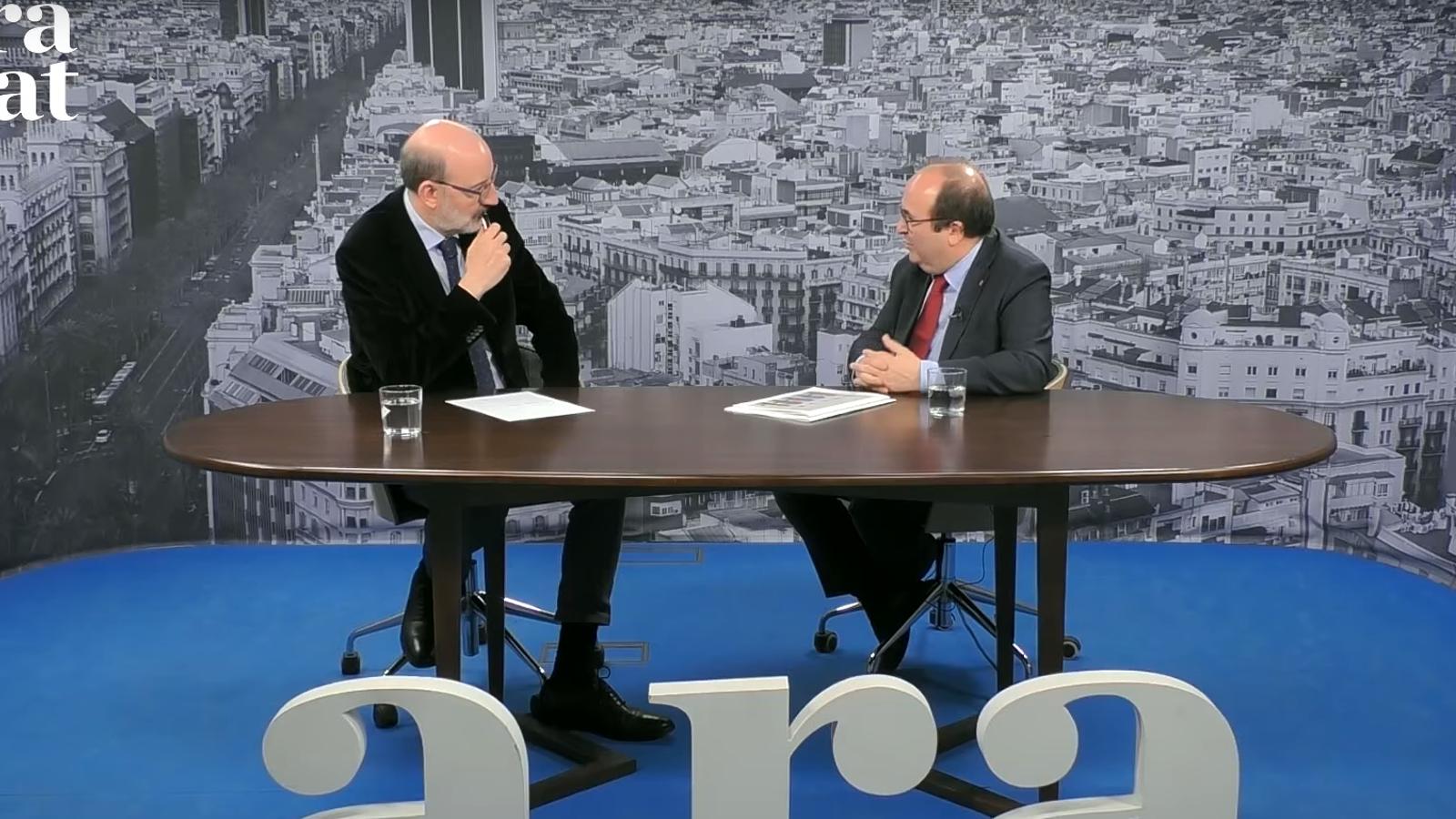 Captura de l'entrevista d'Antoni Bassas a Miquel Iceta al plató de l'ARA