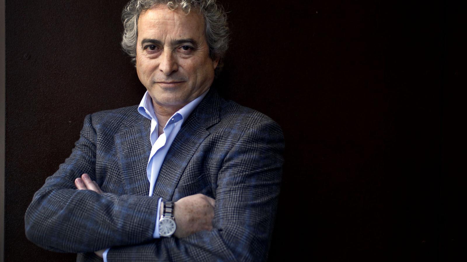 Demanen 9 anys de presó per a Ildefonso Falcones per haver defraudat 1,4 milions d'euros