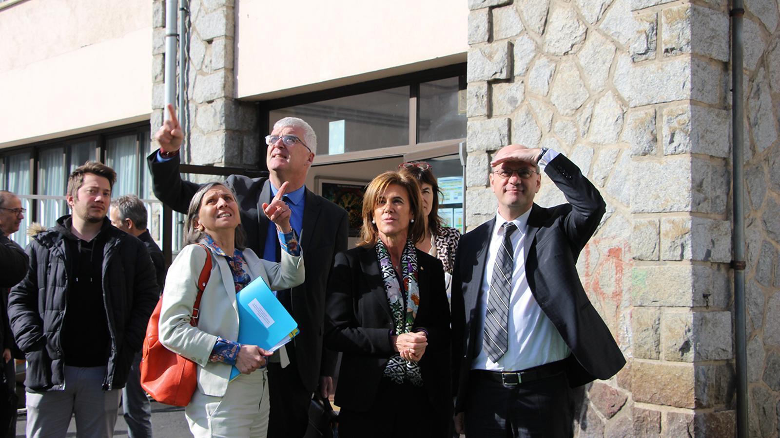 El ministre d'Educació nacional i de la Joventut francès, Jean-Michel Blanquer, durant la seva visita a l'escola francesa de Ciutat de Valls. / M. F. (ANA)