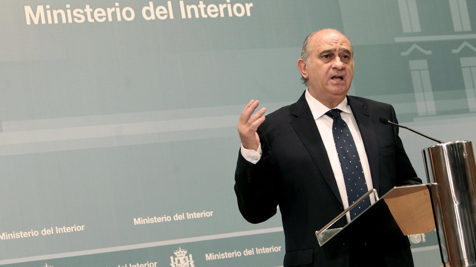 Fern ndez d az amena a bildu amb la il legalitzaci for Ministre interior