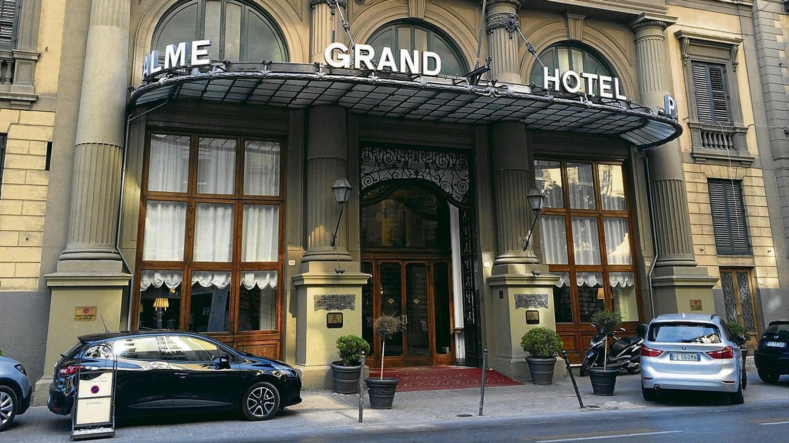 El Grand Hotel et des Palmes se situa no gaire lluny del centre històric de Palerm.