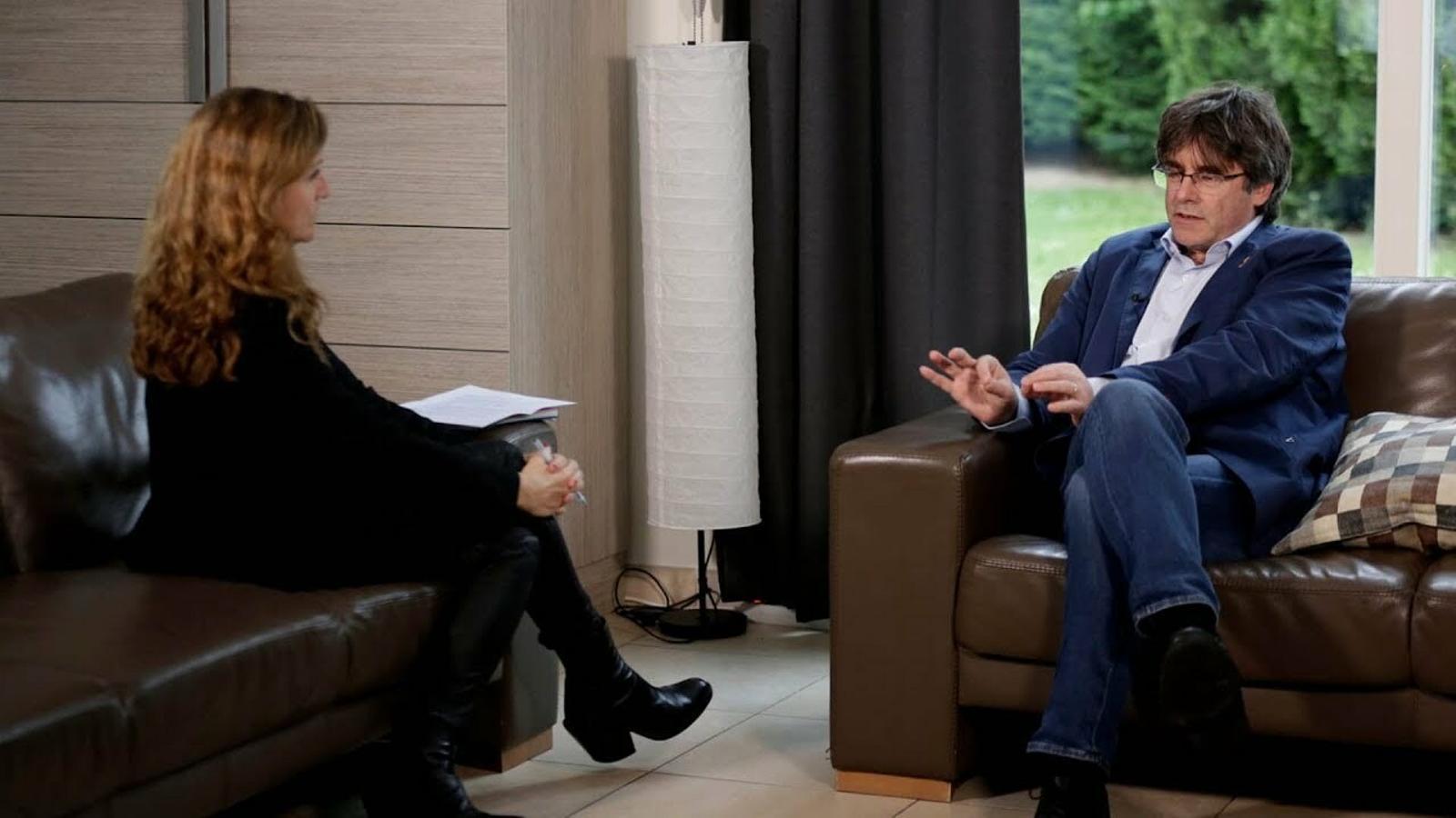 Esther Vera entrevista Carles Puigdemont