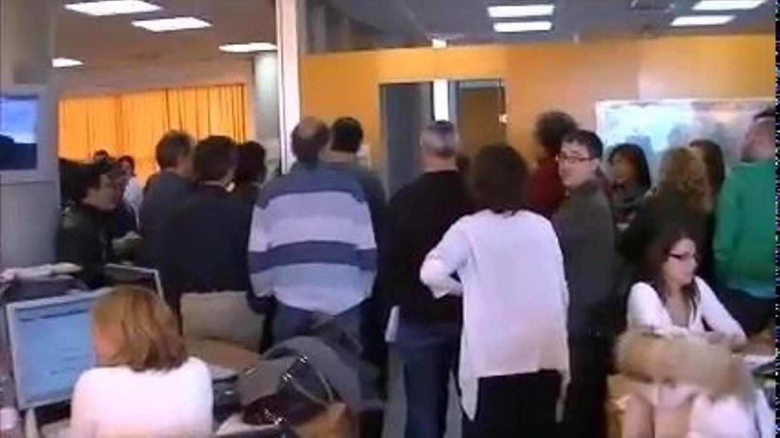 Els treballadors de Canal 9 denuncien la manipulació informativa en la cobertura de les protestes dels estudiants