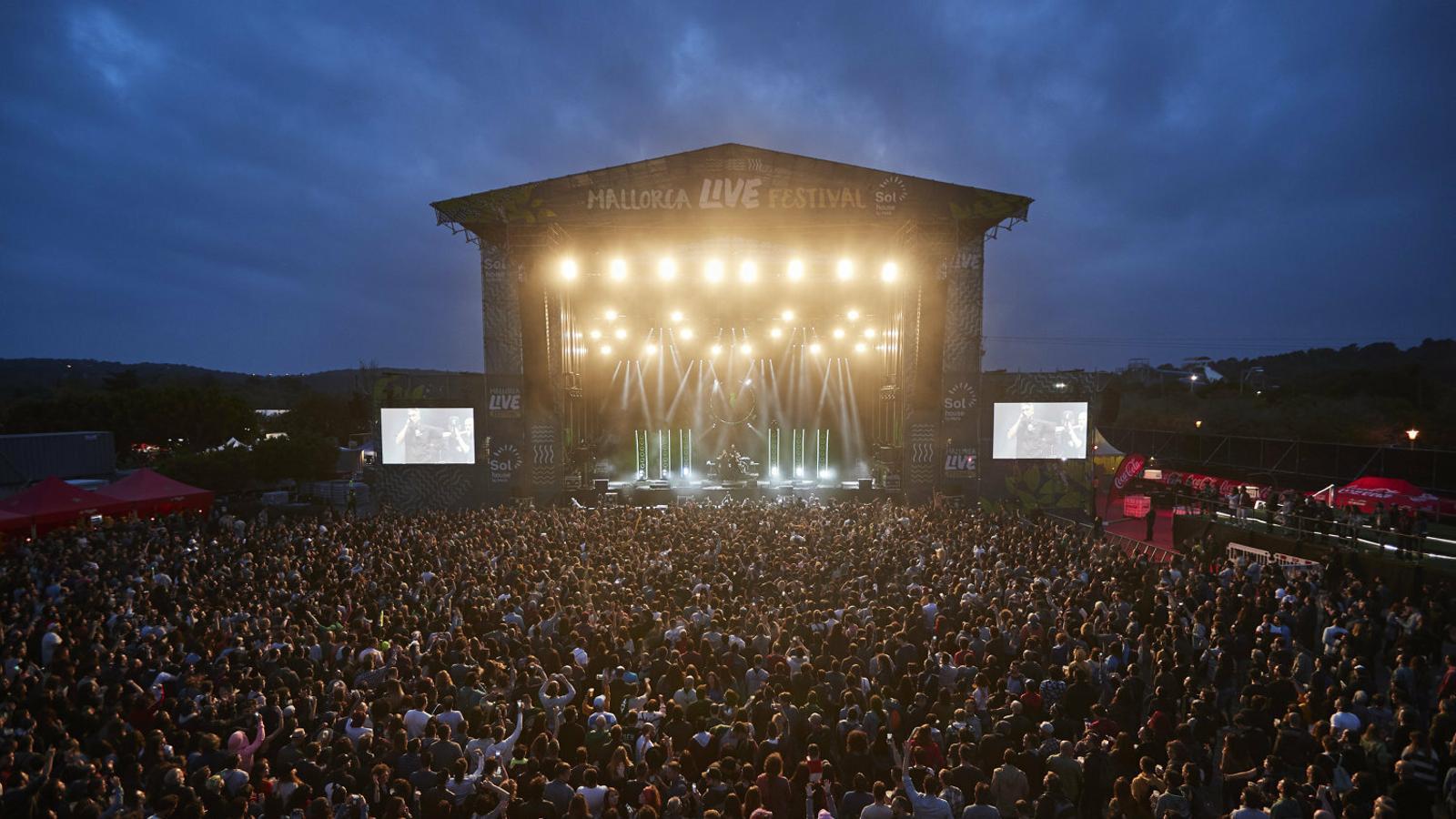 L'organització del festival estima que hi haurà devers 36.000 assistents, un  35% més que l'anterior edició