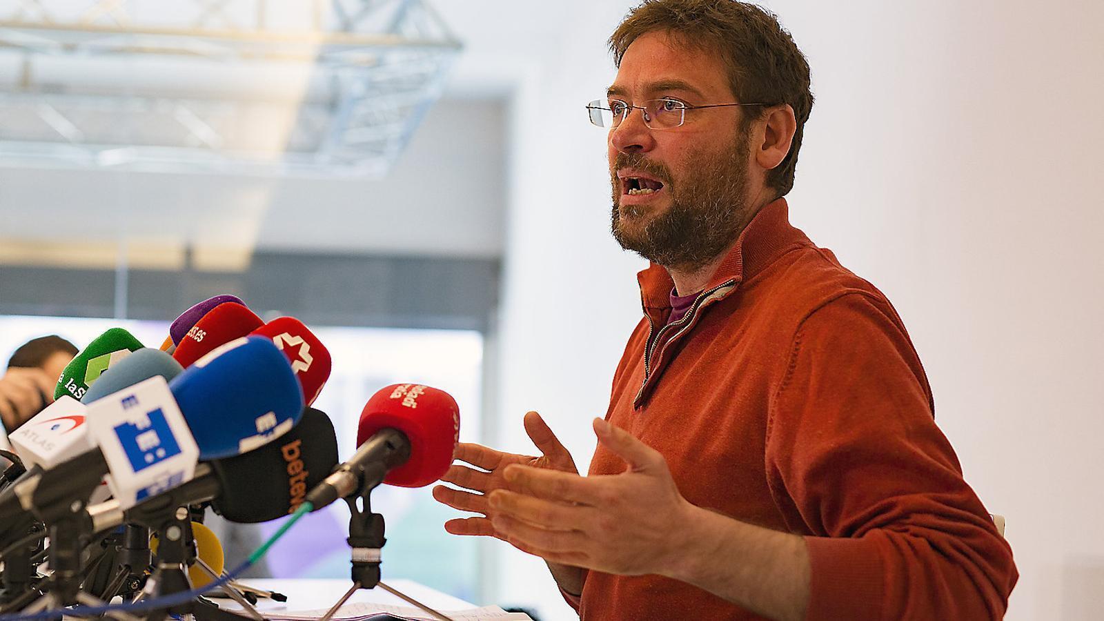 L'exsecretari general de Podem Catalunya Dante Fachin en el seu comiat de la formació.