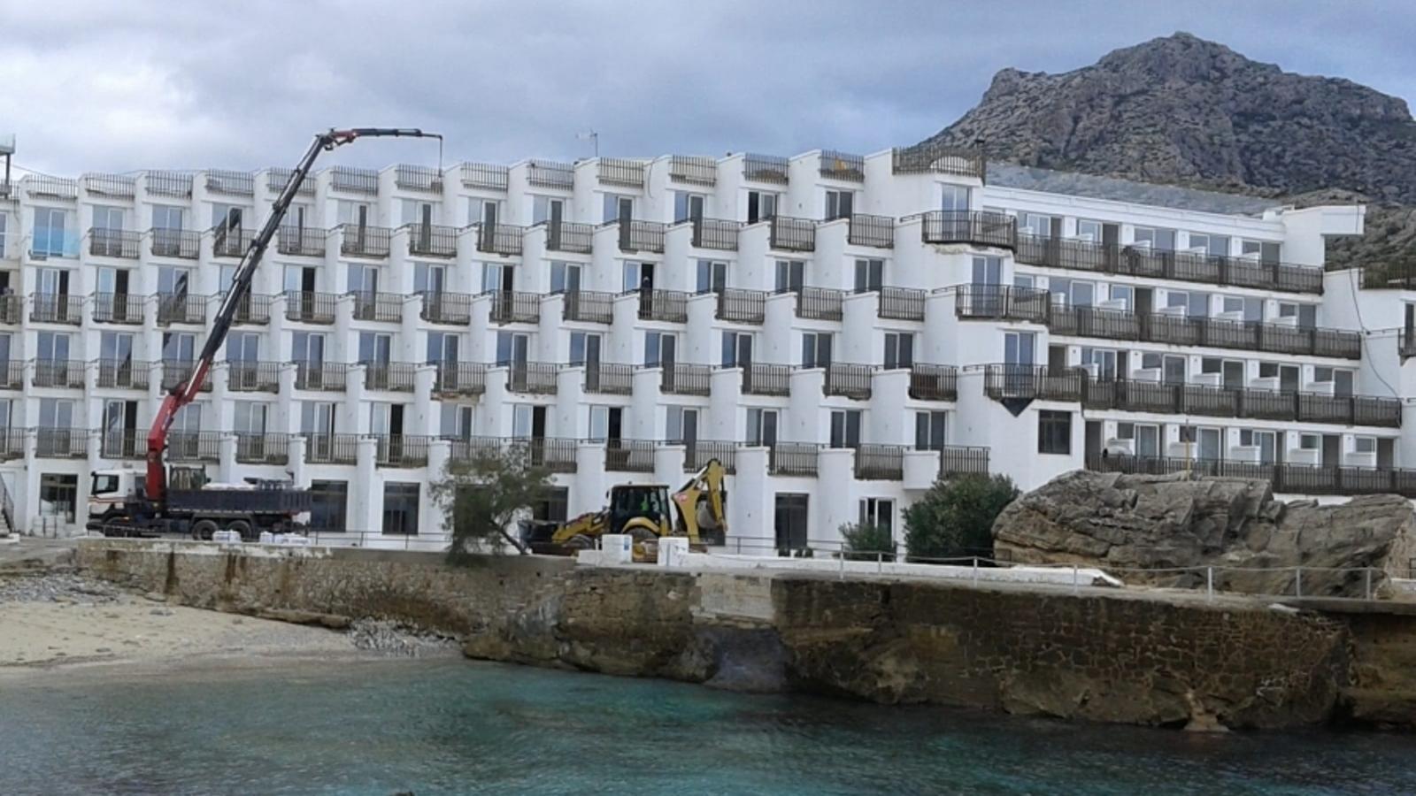 El GOB demana la paralització de les obres a l'Hotel Don Pedro a Cala Clara de Sant Vicenç
