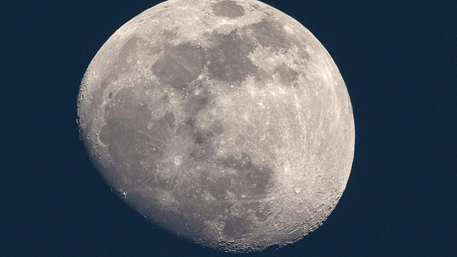 La lluna plena d'aquesta setmana serà la més grossa de l'any