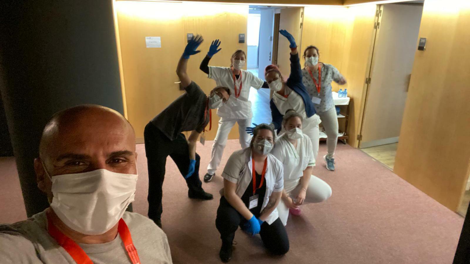 Voluntaris i professionals de l'hotel Cèntric. / ARA Andorra