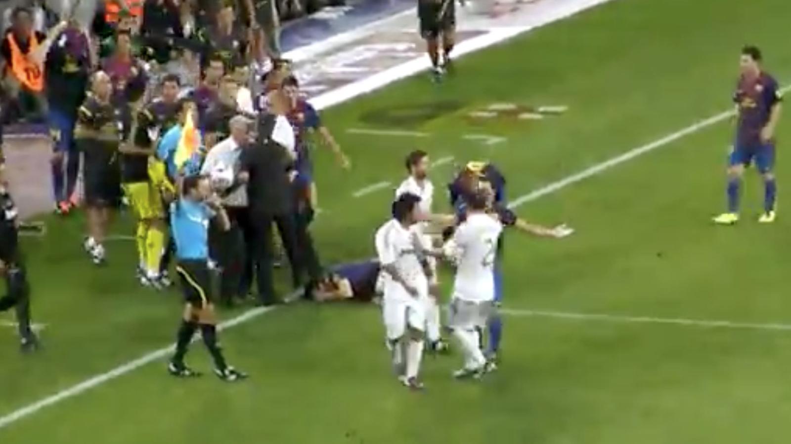 Mourinho intenta trepitjar Cesc
