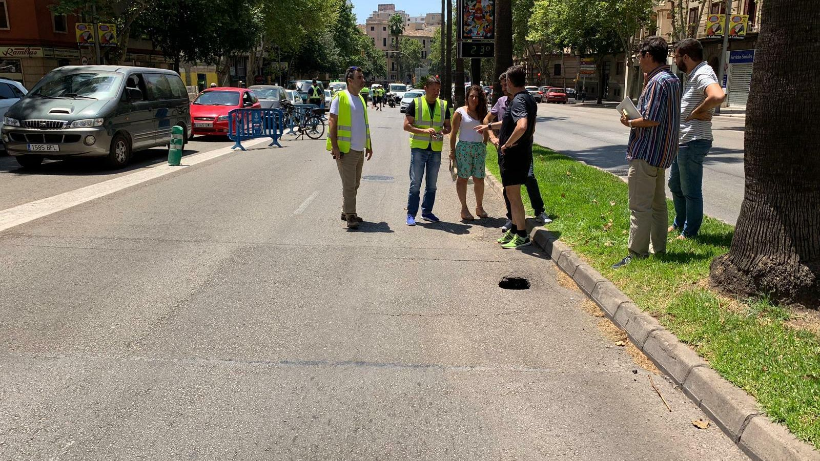 Tanquen el túnel d'Avingudes a causa d'un clot  a l'asfalt