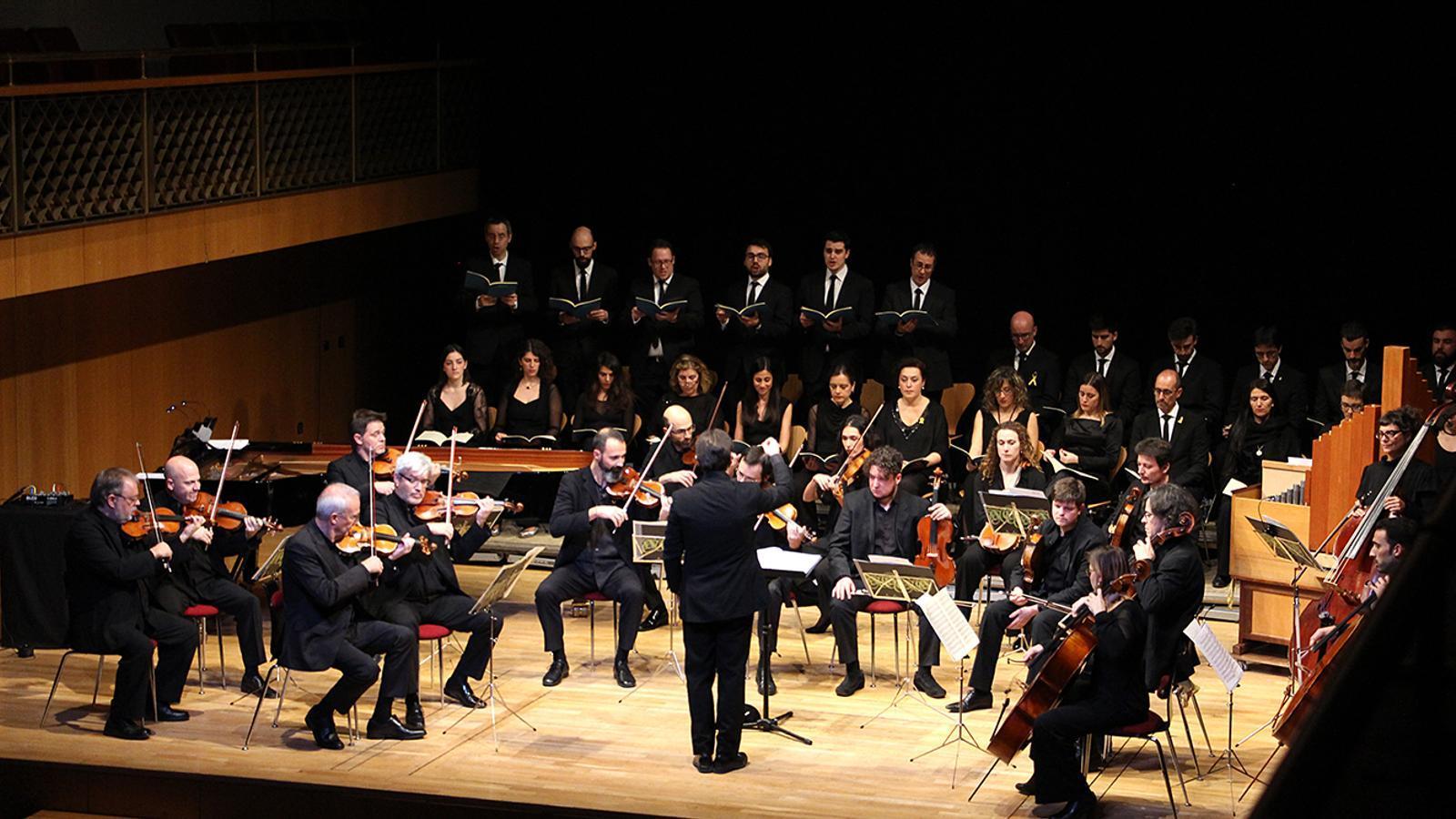 Un moment del concert amb l'ONCA i el Cor de Cambra del Palau de la Música. / M. M. (ANA)