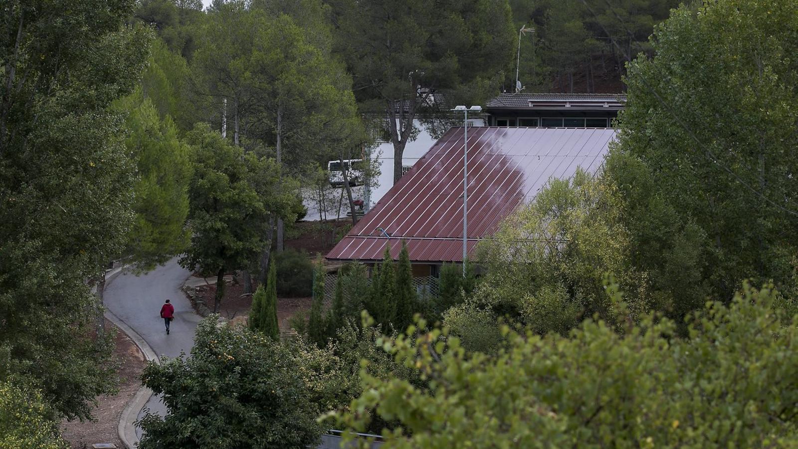 El Govern recorre a cases de colònies pel col·lapse als centres d'acollida