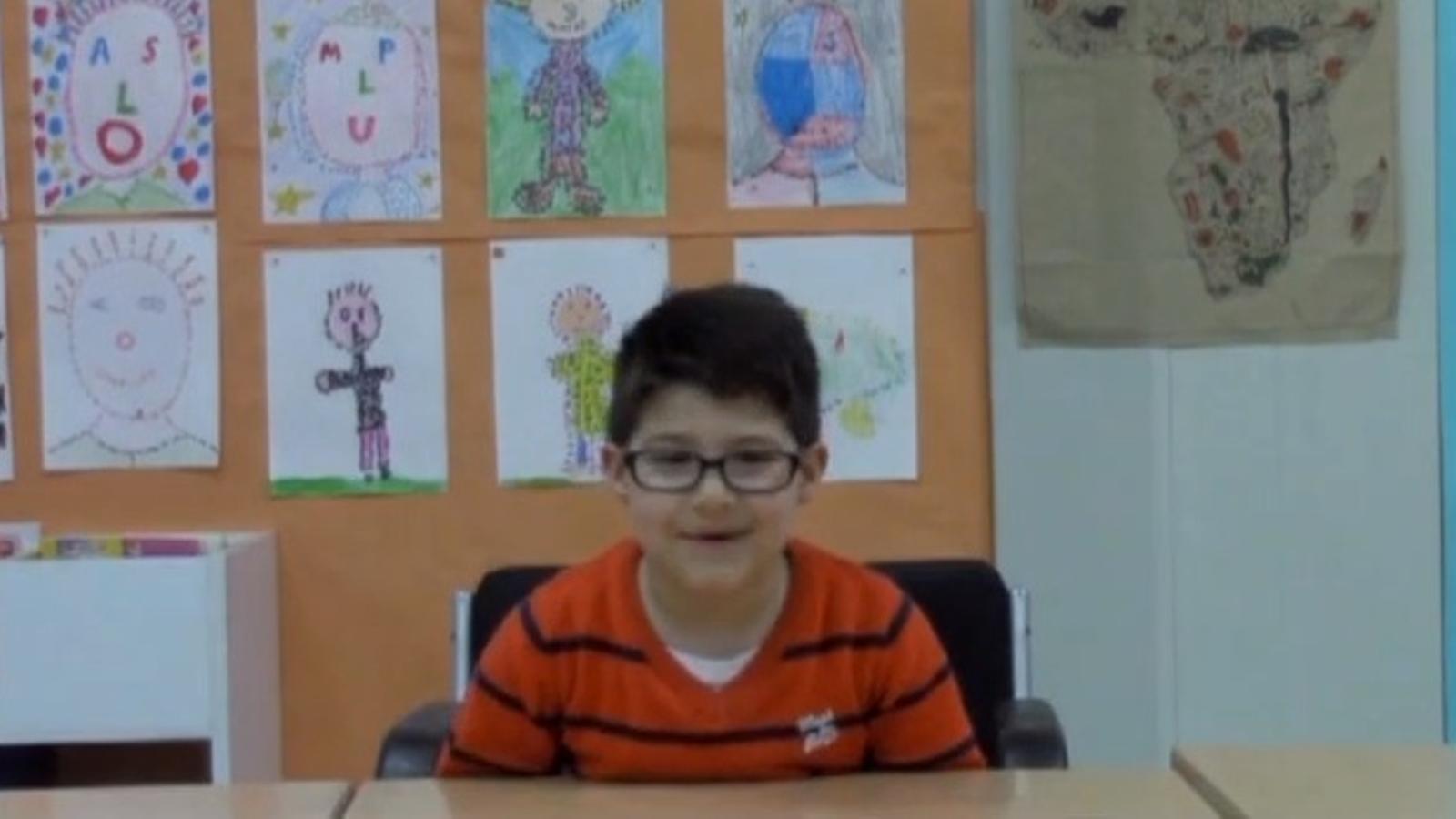 Una escola de Rubí versiona l'anunci d'Ikea per demanar a Mas un edifici nou
