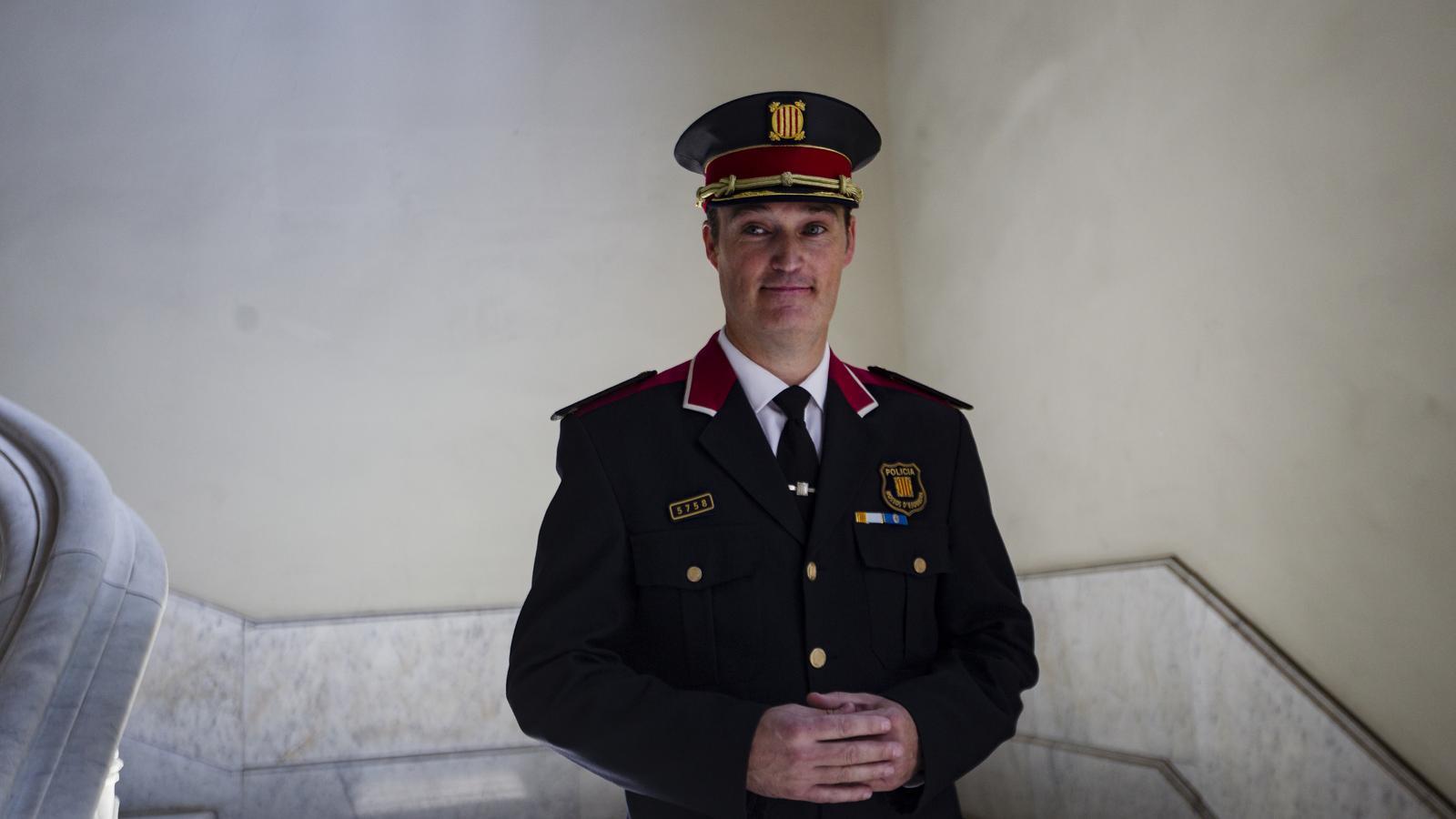 """El nou cap dels Mossos demana als agents """"no exposar-se a riscos innecessaris"""""""