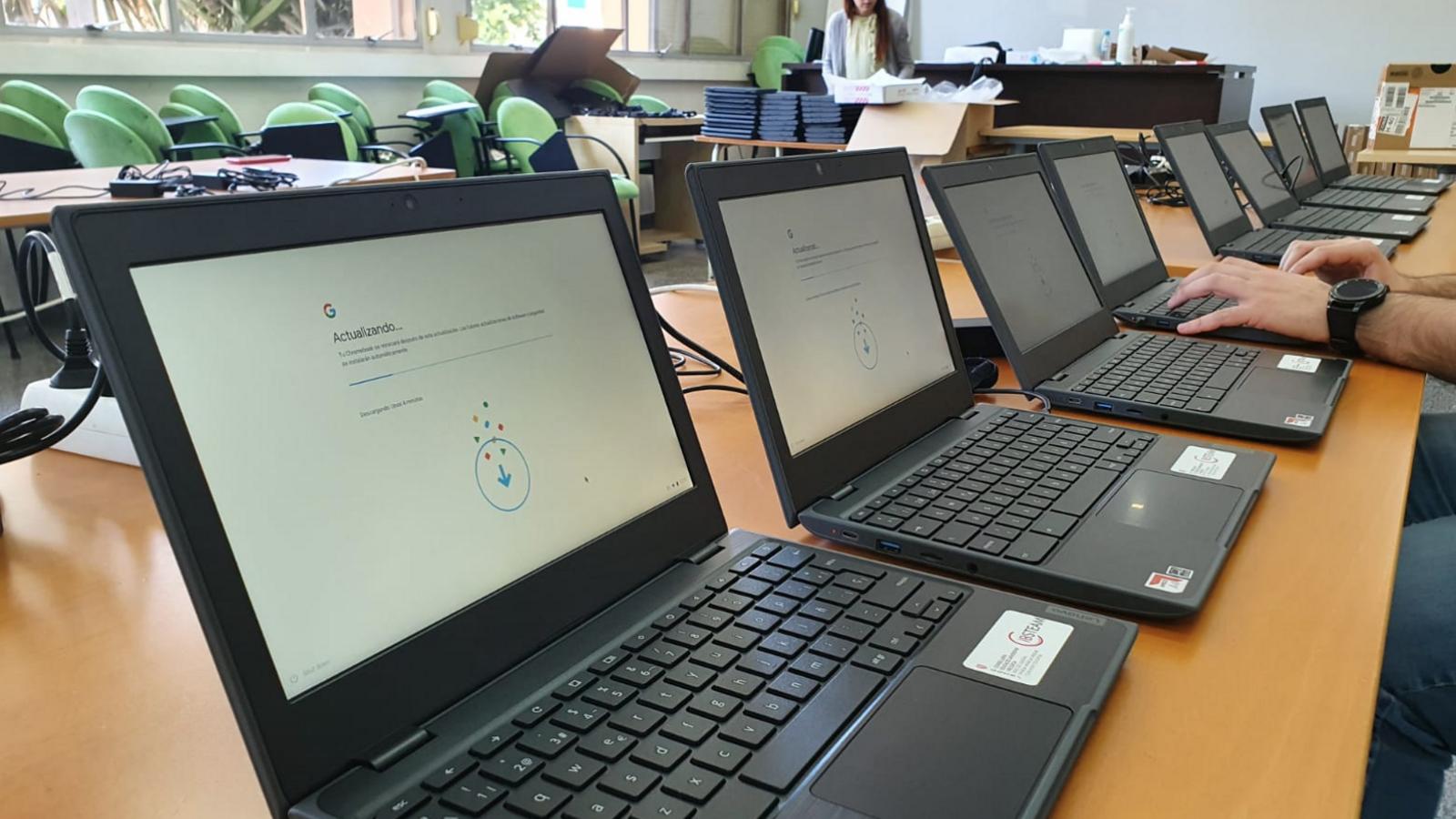 L'equip de competència digital  de la conselleria realitza accions als centres educatius durant la pandèmia