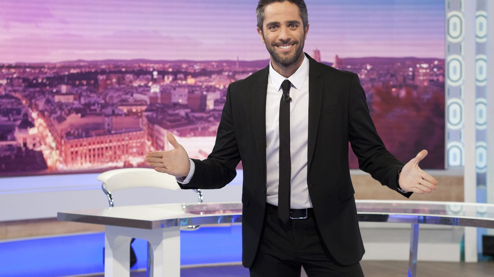 TVE prepara un nou format musical amb Roberto Leal