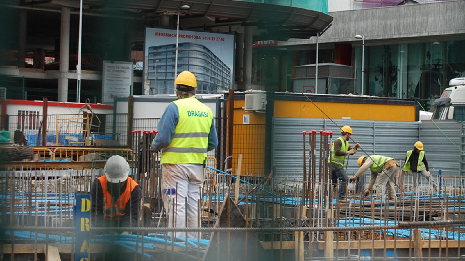 La construcció és un dels sectors amb evolucions positives. / ARXIU ANA