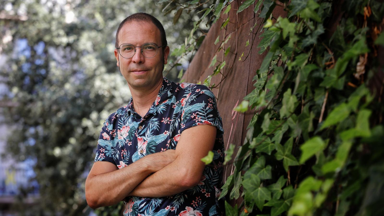 L'escriptor Albert Forns guanyador del premi Sant joan