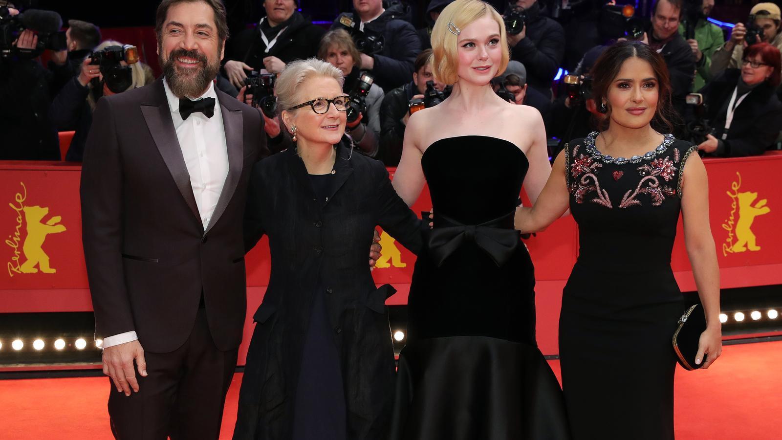 L'actor Javier Bardem, la directora Sally Potter i les actrius Elle Fanning i Salma Hayek al 70è Festival Internacional de Cinema de Berlín