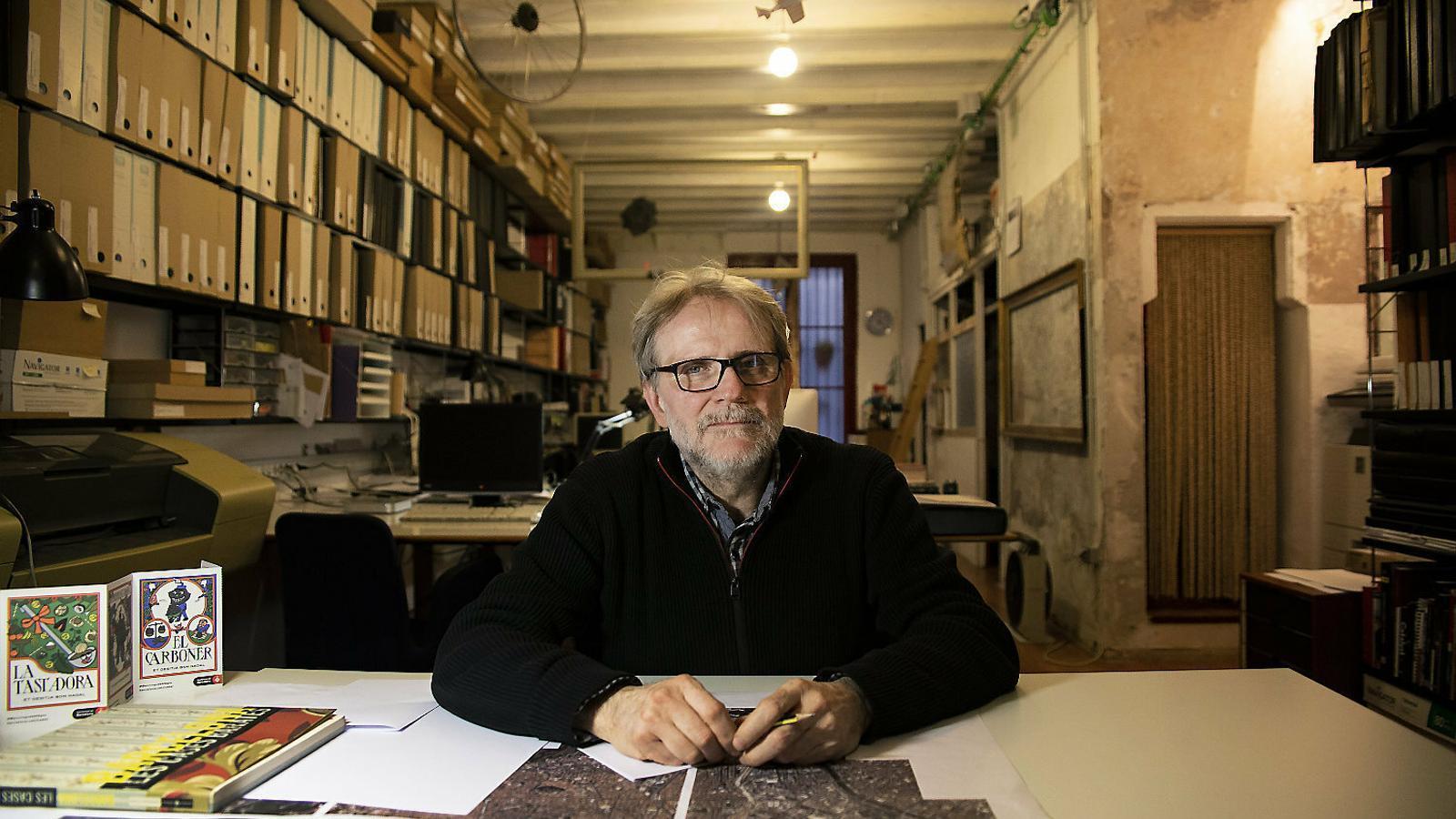 Ton Salvadó rep l'ARA al seu estudi al centre de Barcelona.