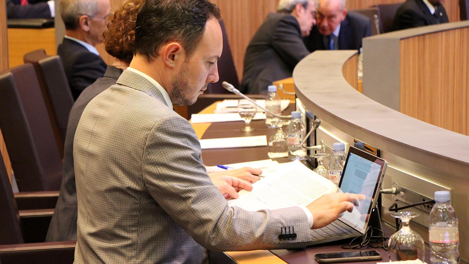 El ministre Xavier Espot en una sessió del Consell General. / ARXIU ANA