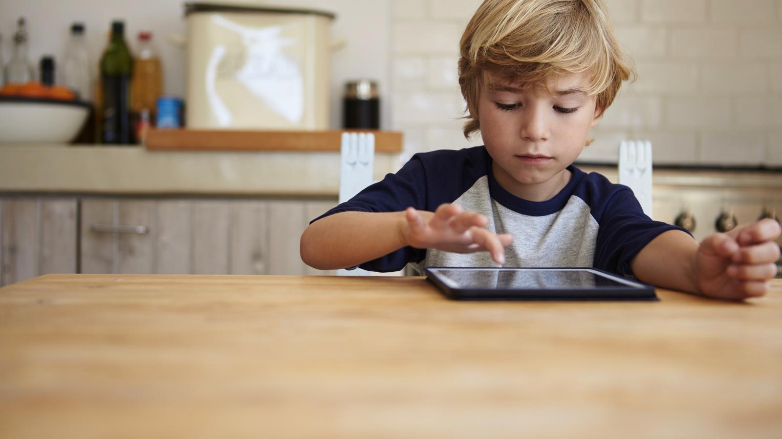 SOS cangurs: els pares busquen alternatives per tenir ocupats els fills