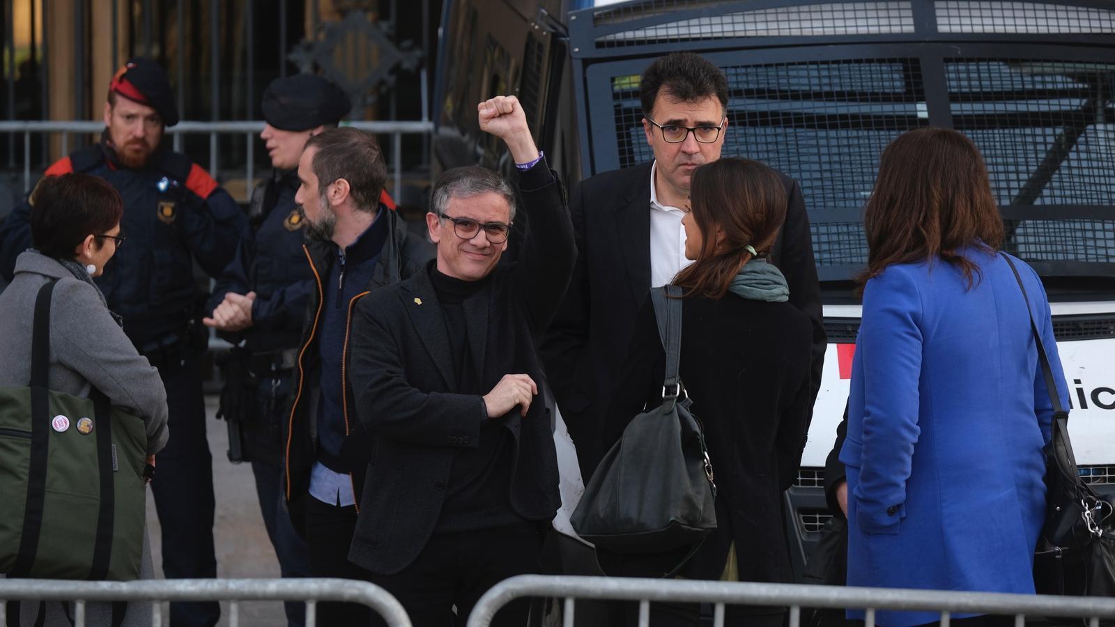 Jové i Salvadó s'acullen al dret a no declarar i denuncien una causa contra l'independentisme