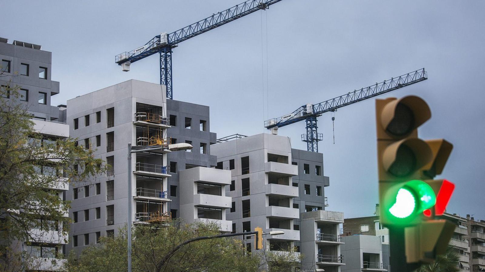 """La Cambra de Comerç veu un """"canvi de cicle"""" en el sector de la construcció."""