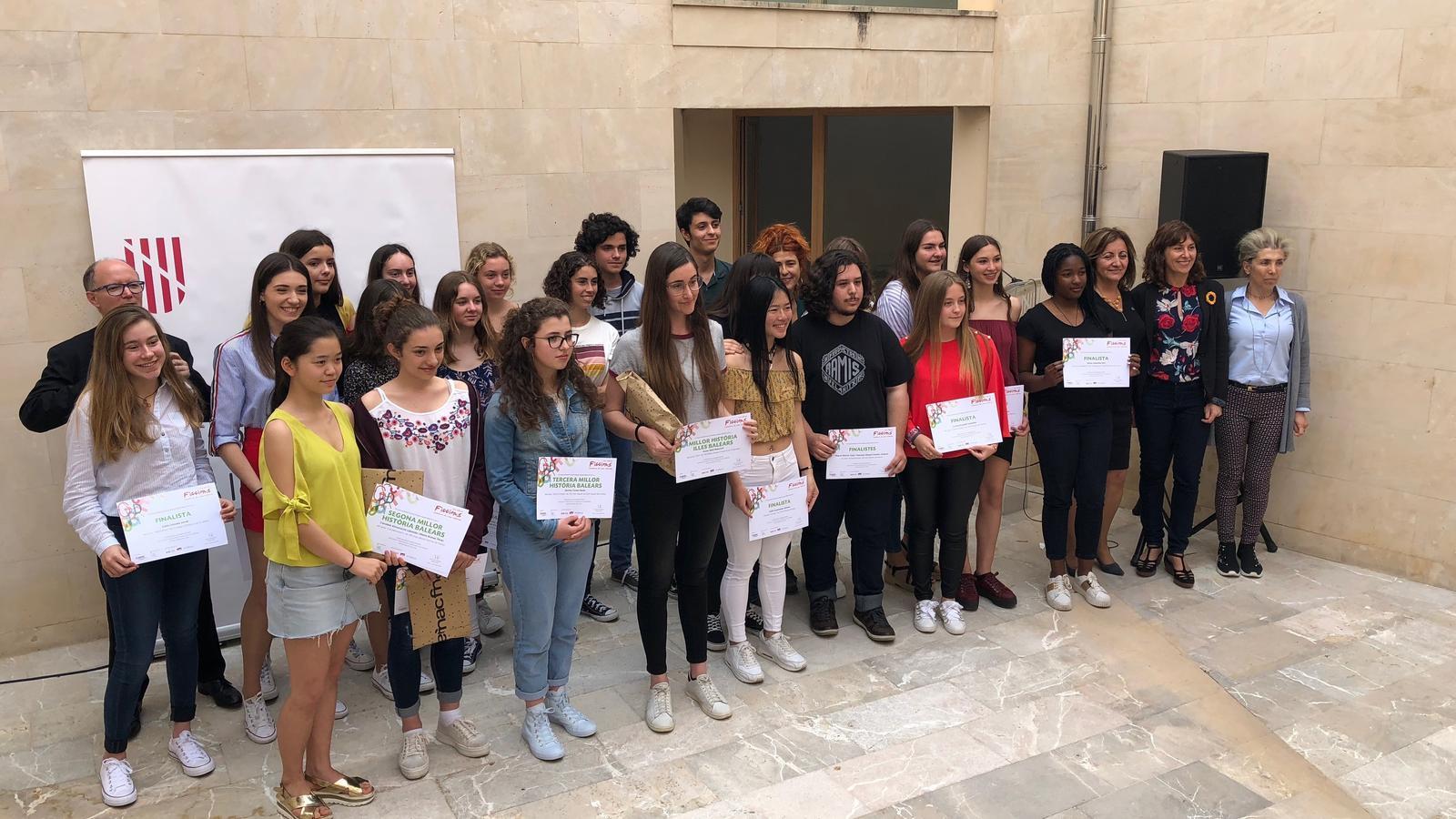 Concursants de la desena edició del certamen literari 'Ficcions'