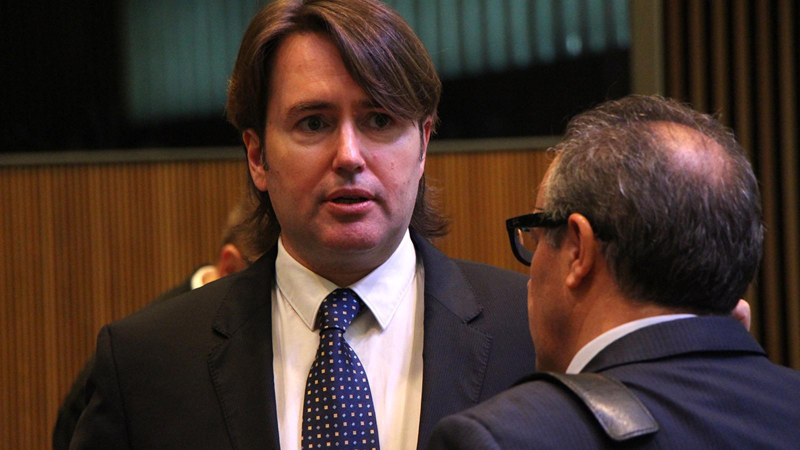 El conseller general d'Unió Laurediana i Ciutadans Compromesos, Carles Naudi, abans de començar la sessió de control al Govern. / M. M. (ANA)