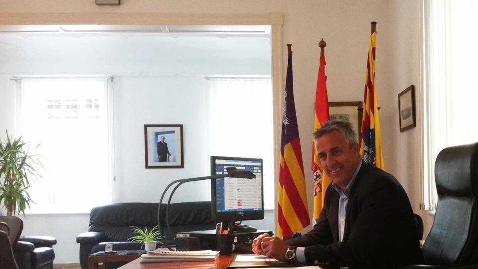 Toni Juaneda va deixar la política mentre ocupava el càrrec de director insular de l'Estat.