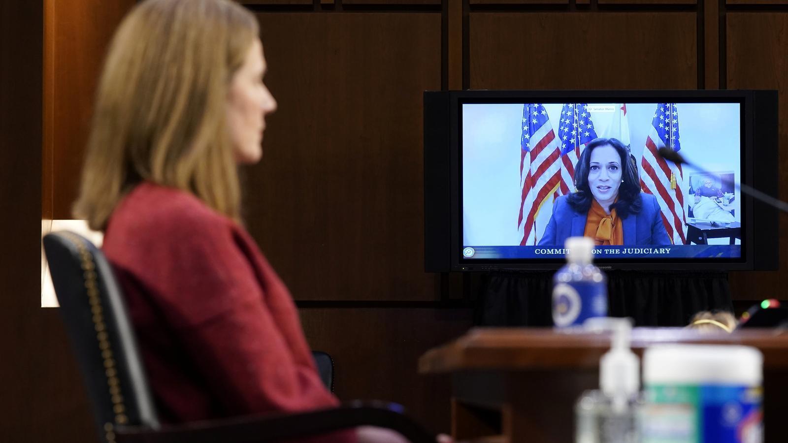 La candidata demòcrata a la vicepresidència, Kamala Harris, interroga la nominada de Trump al Suprem, Amy Barret.
