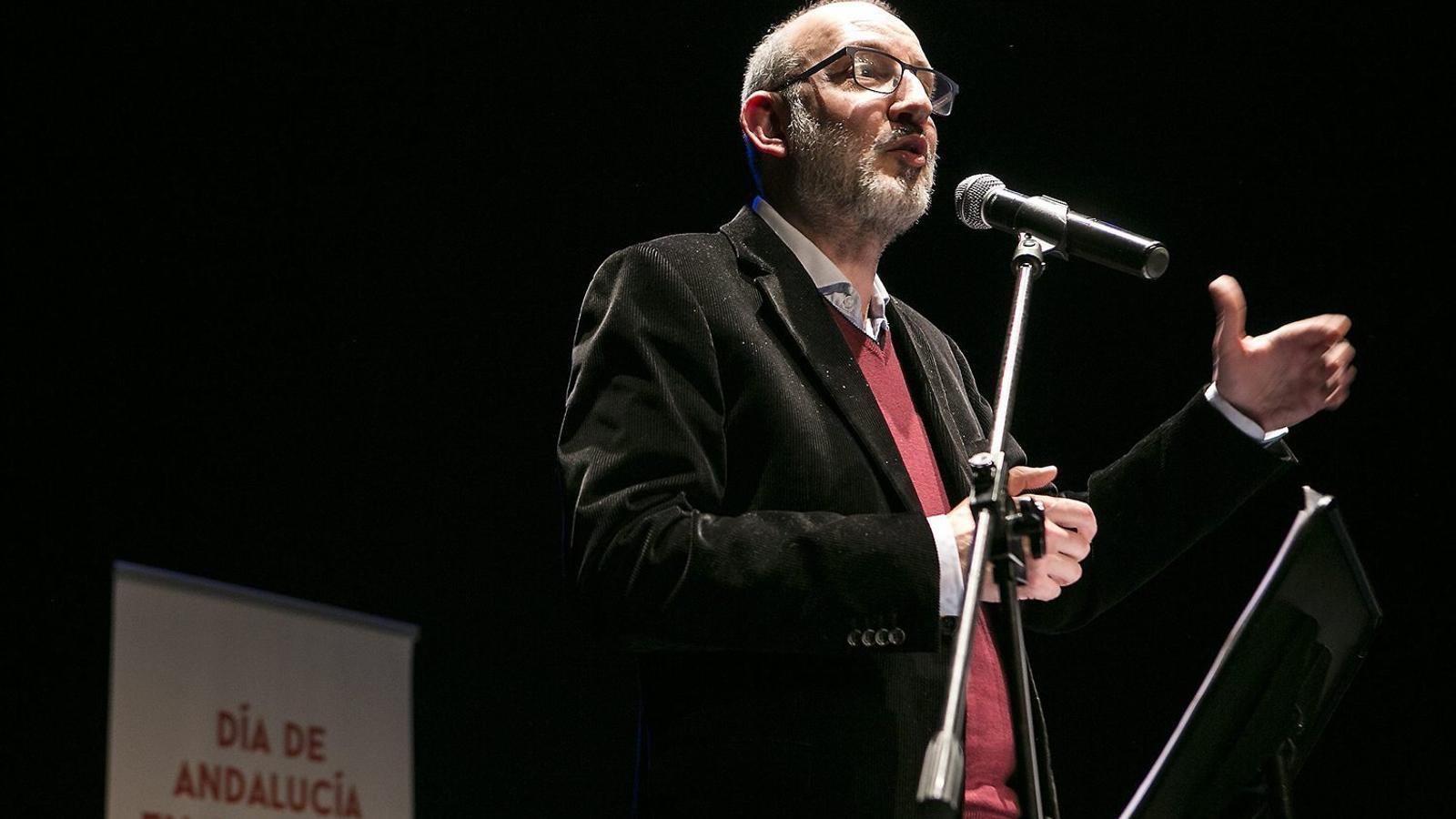Bassas recull el premi de la FECAC amb una crida a la integració