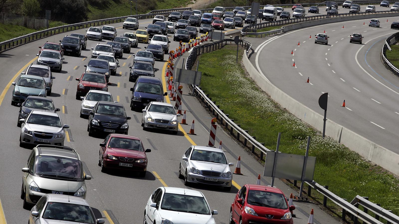 L'AP-7 serà la via amb més complicacions de trànsit aquest cap de setmana.