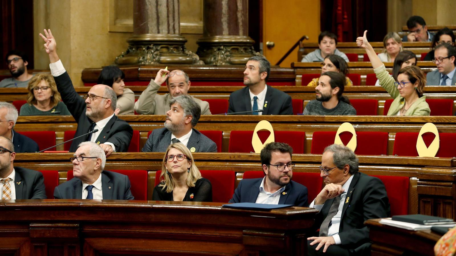 EN DIRECTE: La comissió d'investigació del 155 al Parlament