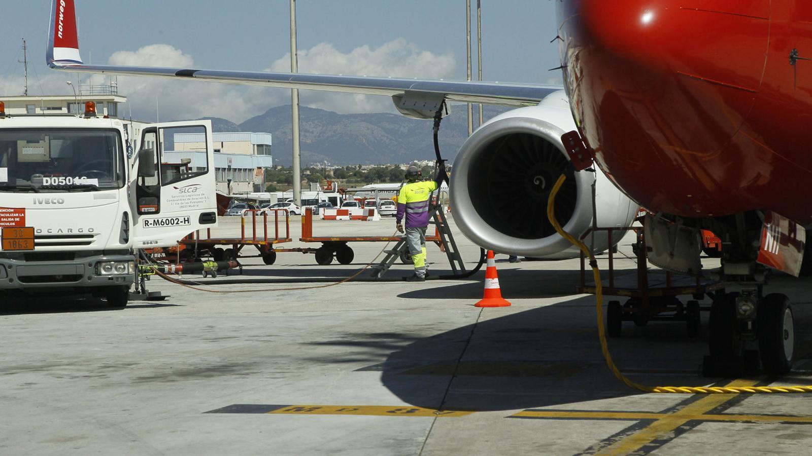Cada avió basat a Palma genera aproximadament 40 llocs de feina entre tripulacions i personal de terra.