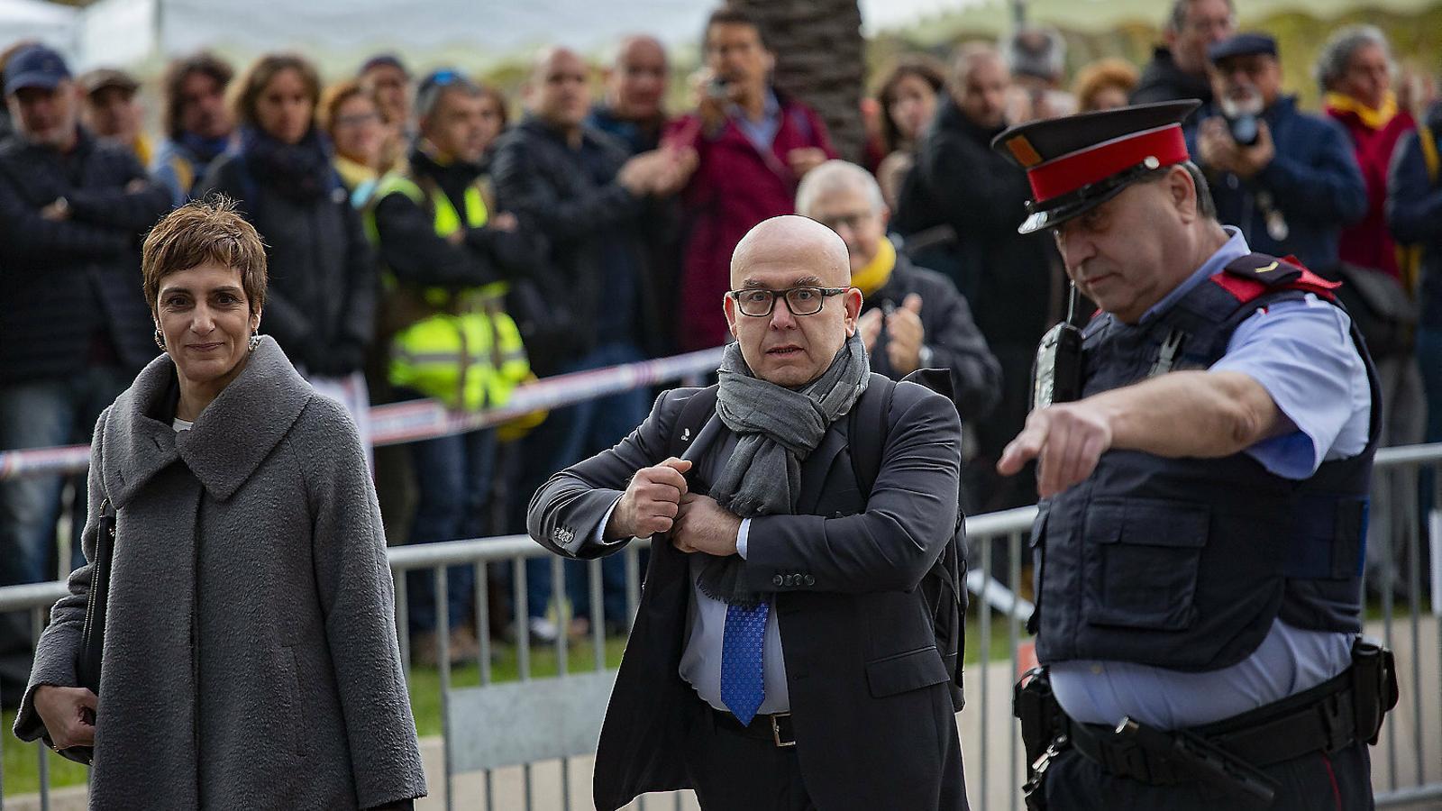 Gonzalo Boye, l'advocat del president de la Generalitat, Quim Torra, a la sortida del TJSC ahir.