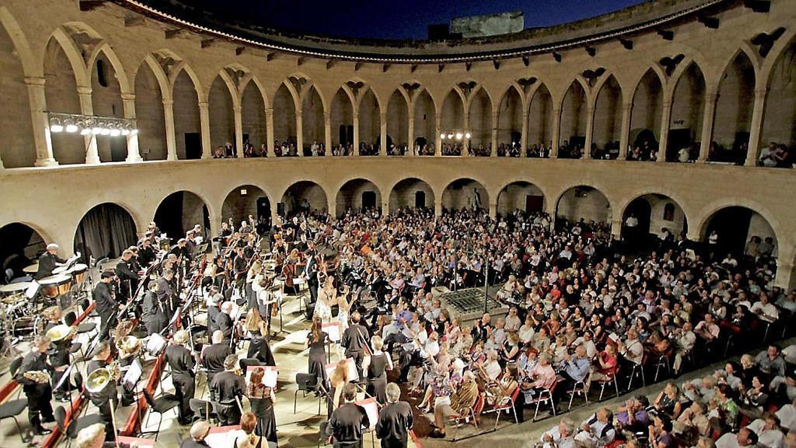 Concert de final d'estiu de l'Orquestra Simfònica al castell de Bellver, abans de començar la temporada a l'Auditòrium.