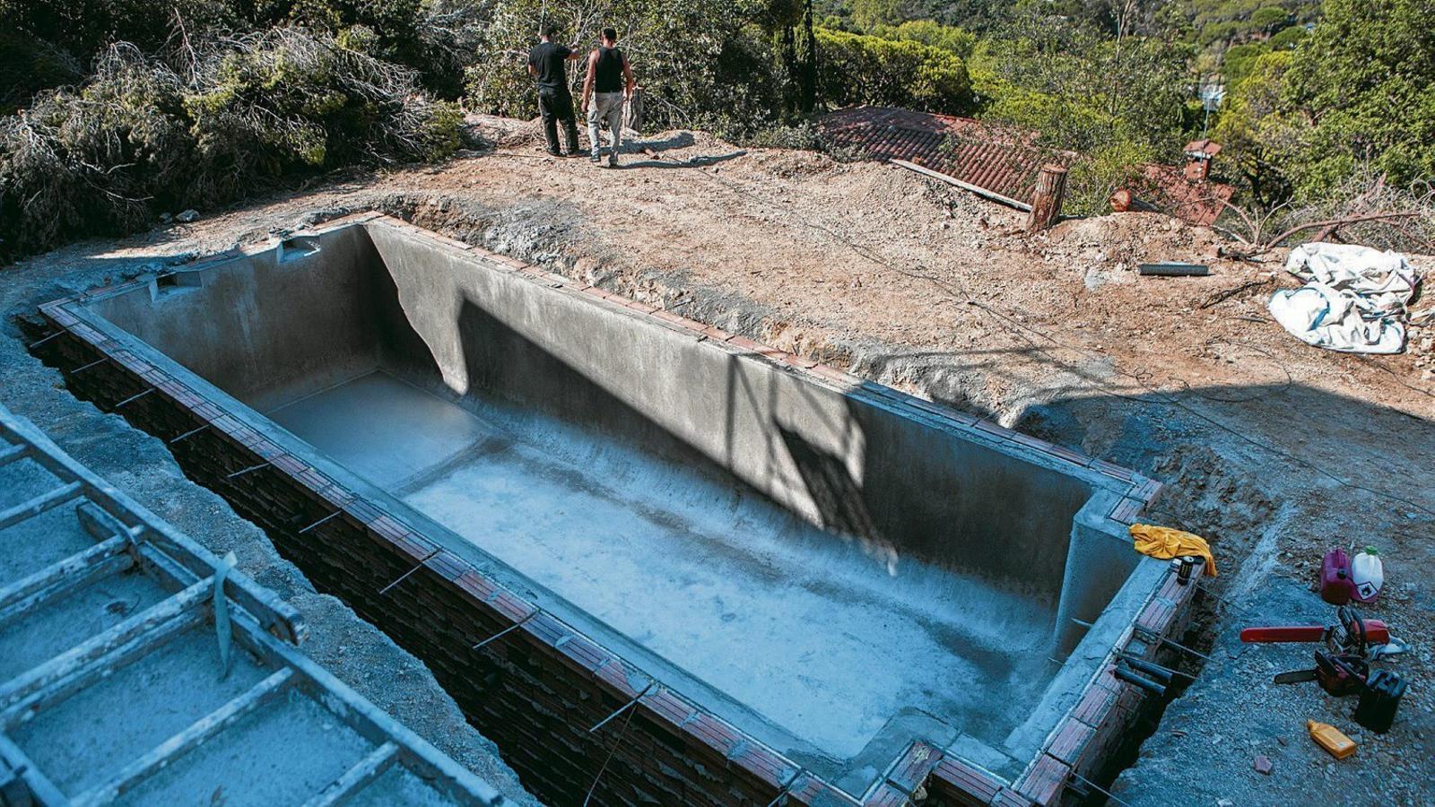 La febre per tenir una piscina a casa creix a barcelona for Piscina de tiana