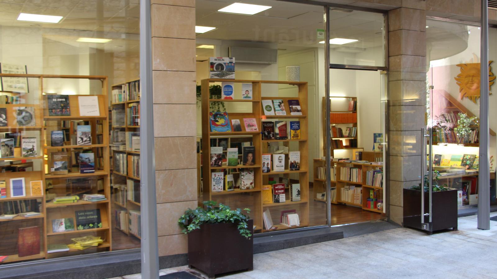 El nou local de la Puça, al carrer Llacuna 2. / M. R. F. (ANA)