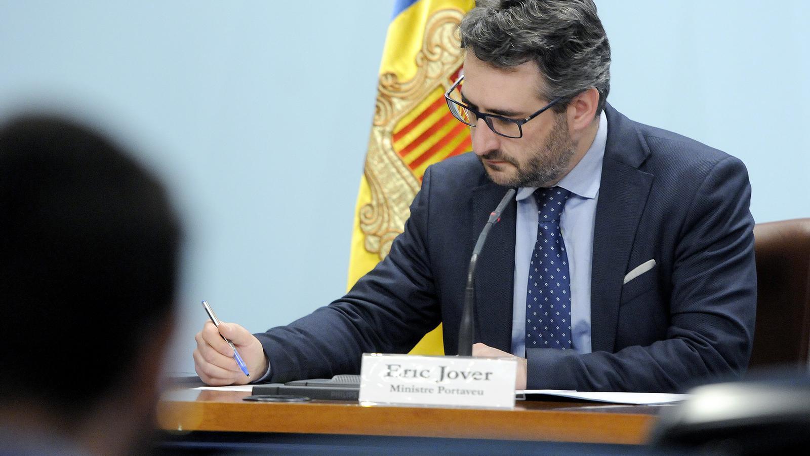 El ministre portaveu, Eric Jover, durant a roda de premsa d'aquest dilluns al vespre. / SFG