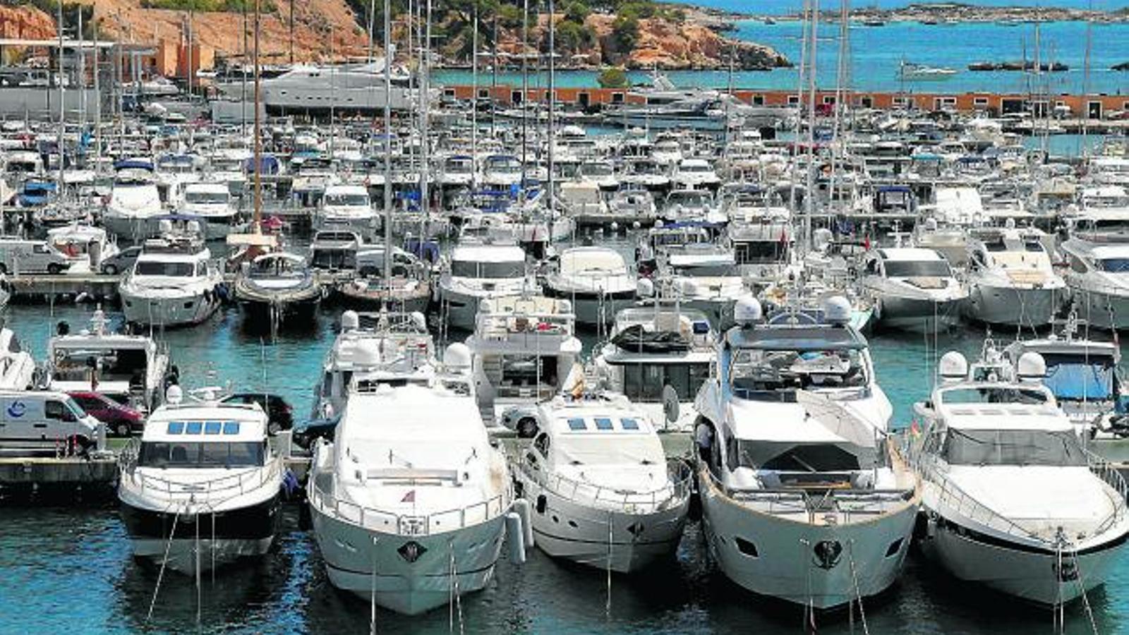 Els xàrters nàutics no volen   La privatització dels ports
