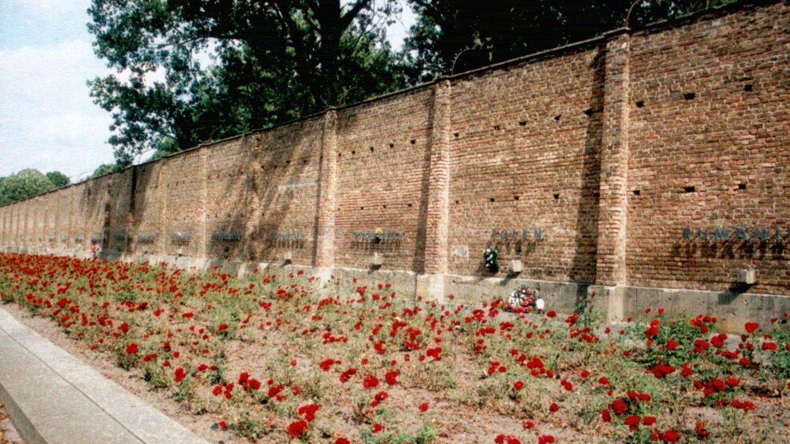 El mur  de Ravensbrück