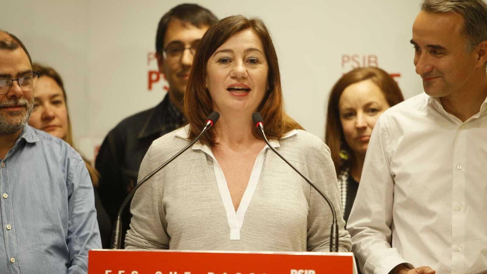 La secretària general del PSIB, Francina Armengol, ha comparegut poc després de les 23 hores.