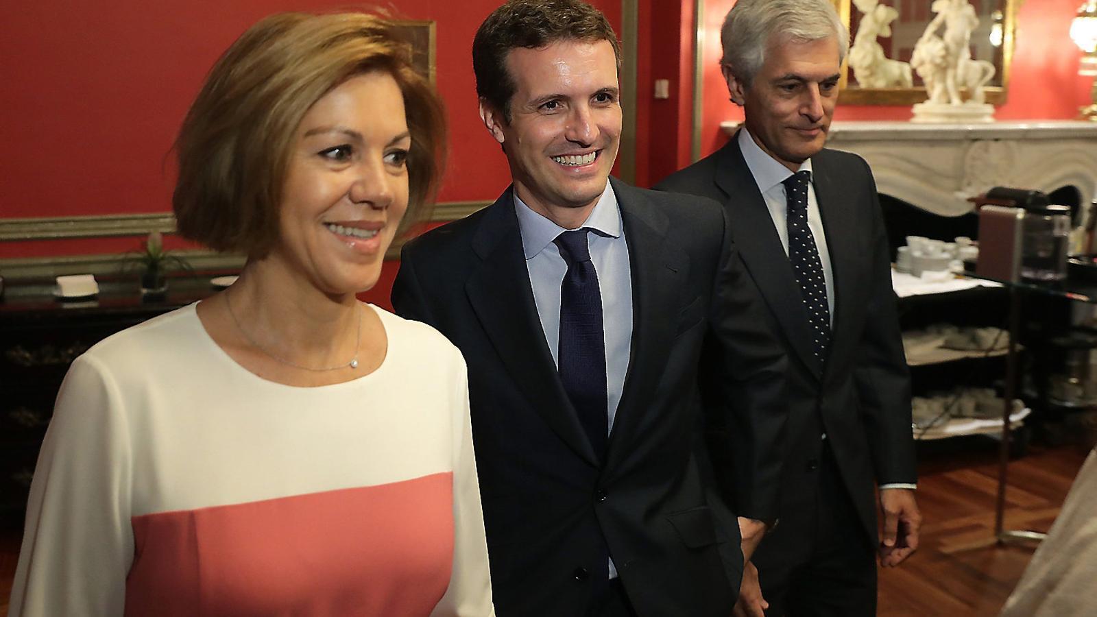 Cospedal i Casado, durant l'esmorzar al Fórum Europa, en què l'exministra va donar suport al candidat.