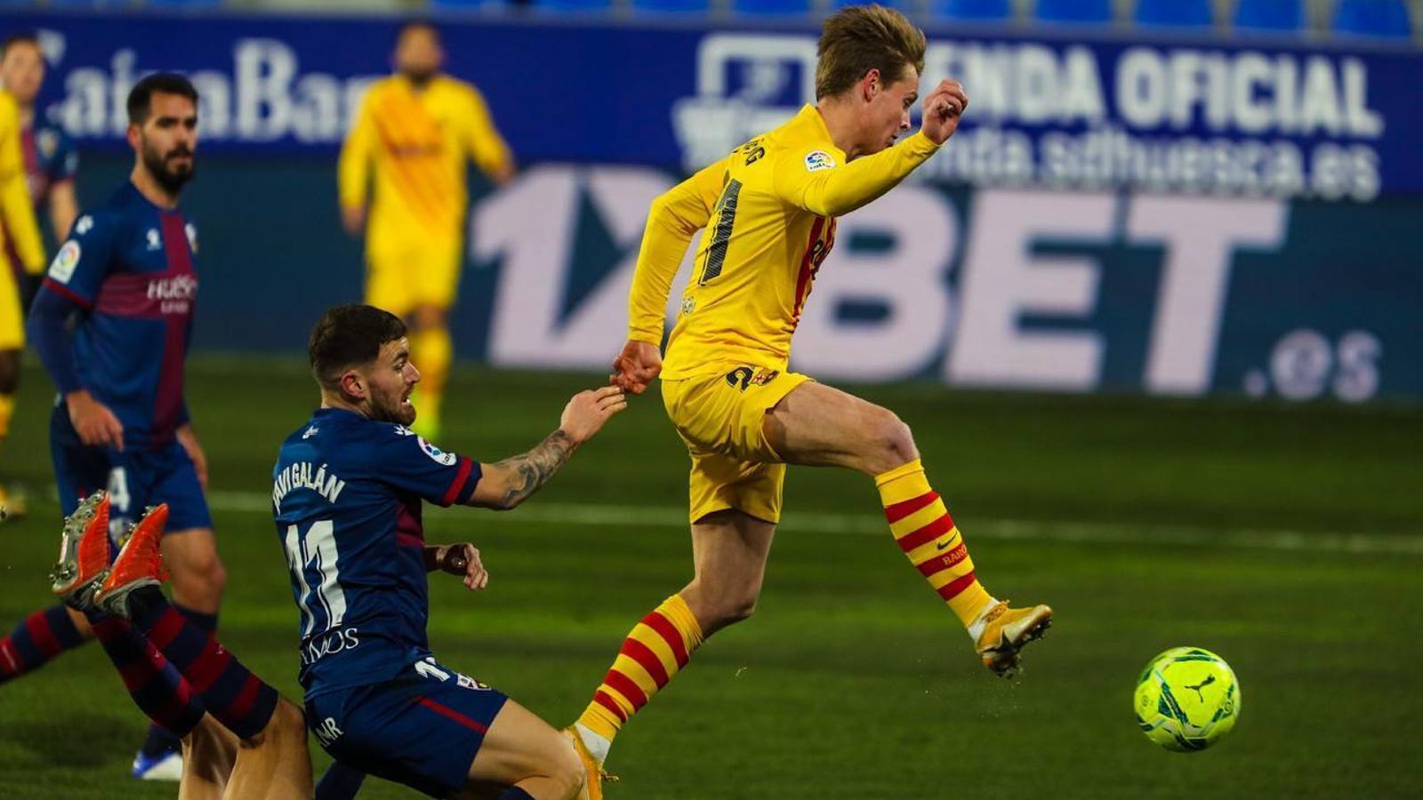 De Jong, autor del 0-1 a Osca.