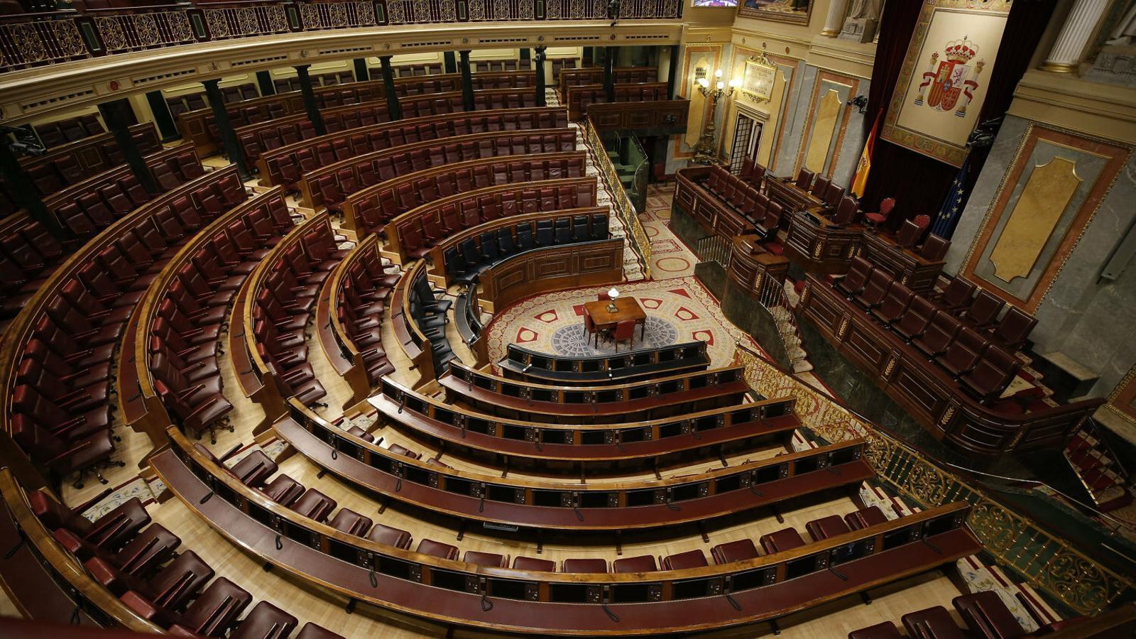 El coronavirus també paralitza la política espanyola